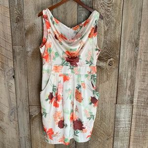 H&M Dresses - H&M Spring Floral Short Sleeved Scoop Runched Neck